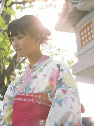 actress Mayuko Fukuda 18 years in the altogether image in public