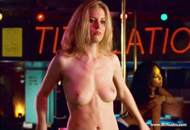 models Gillian Jacobs 2015 fervid photo in public