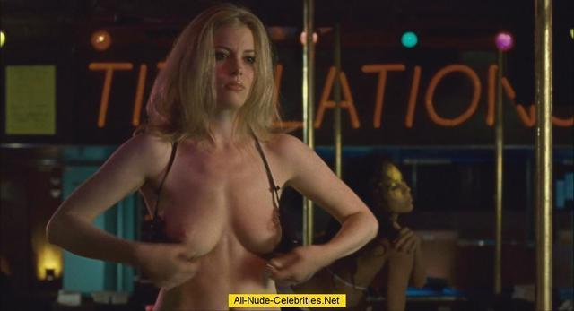 celebritie Gillian Jacobs 23 years provocative foto in the club