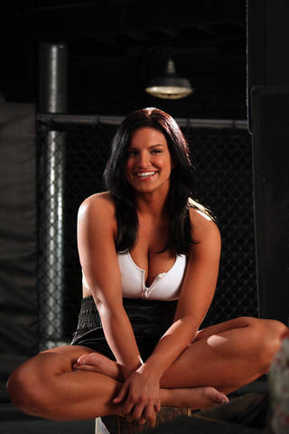 actress Gina Carano 24 years amatory photo in public