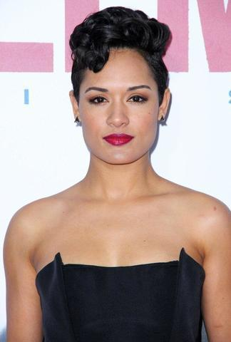 actress Grace Gealey young obscene photo in public
