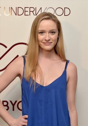 celebritie Greer Grammer 19 years bawdy photography beach