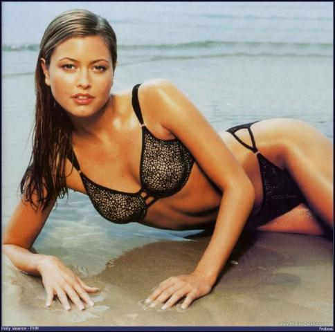 actress Holly Valance 23 years spicy photography beach