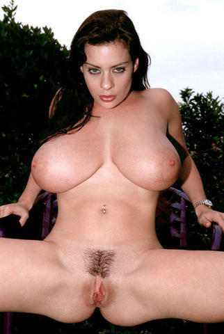 celebritie Linsey Dawn McKenzie 24 years concupiscent photos in the club