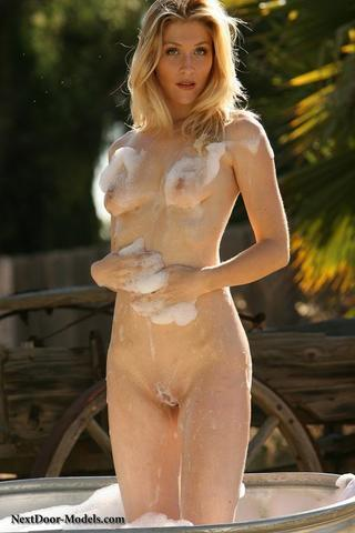 Emilie Jacobs nude image