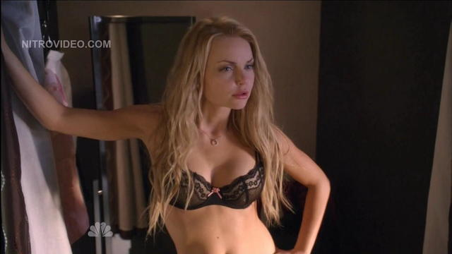 Izabella Miko nude photo
