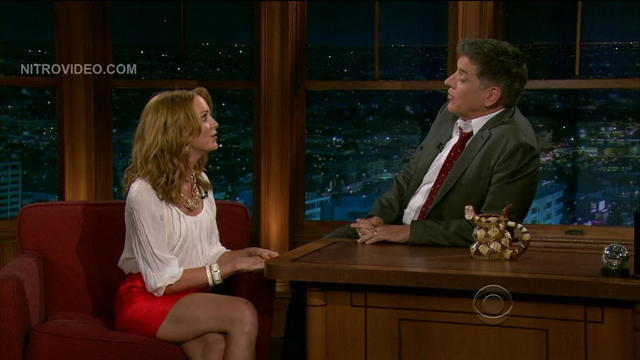 celebritie Jayma Mays 22 years Without bra picture beach