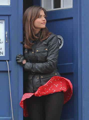 actress Jenna Coleman 18 years flirtatious photo home