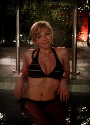 Sexy Jennette McCurdy pics High Definition
