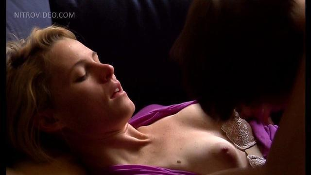 Jess Weixler topless picture
