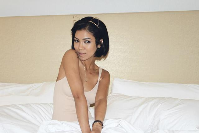 models Jhene Aiko 25 years risqué photography in public