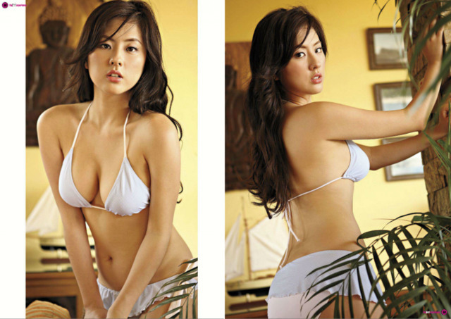 models Min-Young Park 24 years sexual picture in the club