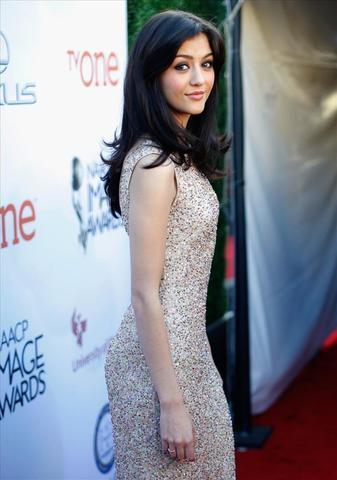 models Katie Findlay 25 years natural photoshoot in public