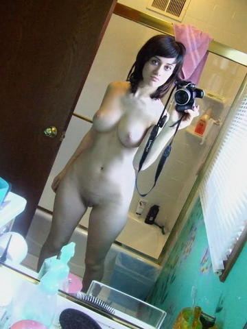 Wonder Russell nude picture