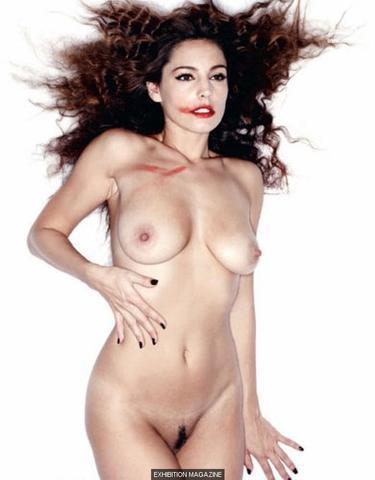 models Kelly Brook 24 years prurient photography in public
