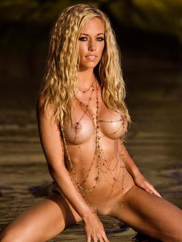 Kendra Wilkinson nude photography