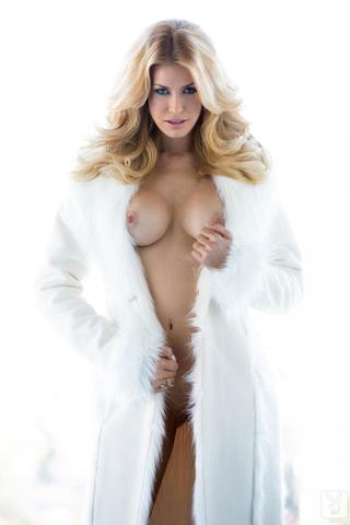 actress Kennedy Summers 21 years teat picture in the club
