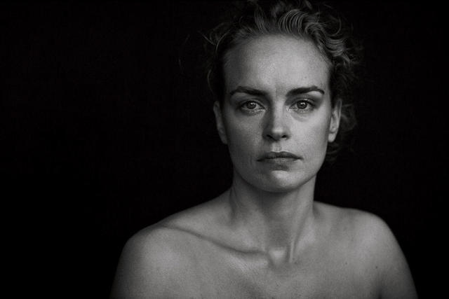 Hot picture Nina Hoss tits