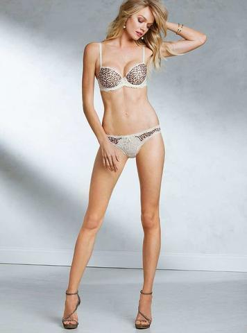 actress Lindsay Ellingson 21 years unclothed photo in the club