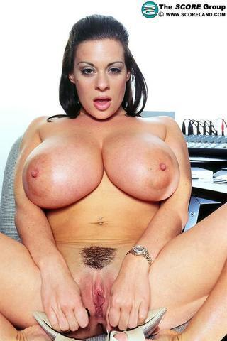celebritie Linsey Dawn McKenzie 22 years unclothed pics in the club