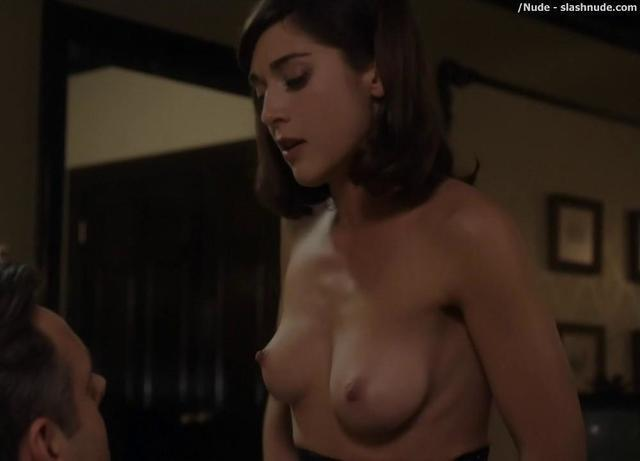 actress Lizzy Caplan 19 years mammilla foto home