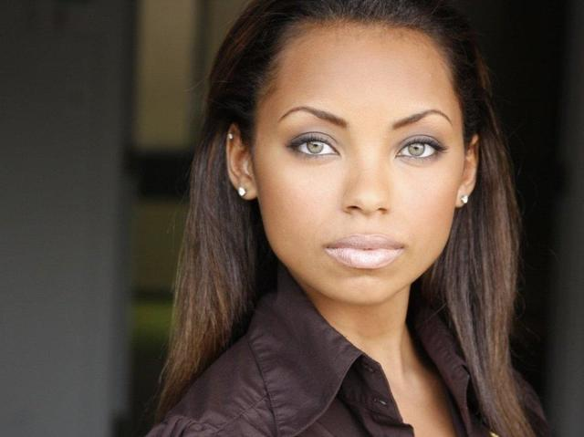 celebritie Logan Browning 18 years Uncensored snapshot home