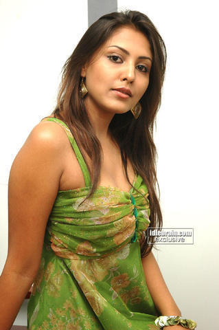 actress Madhu Shalini 22 years carnal photoshoot beach