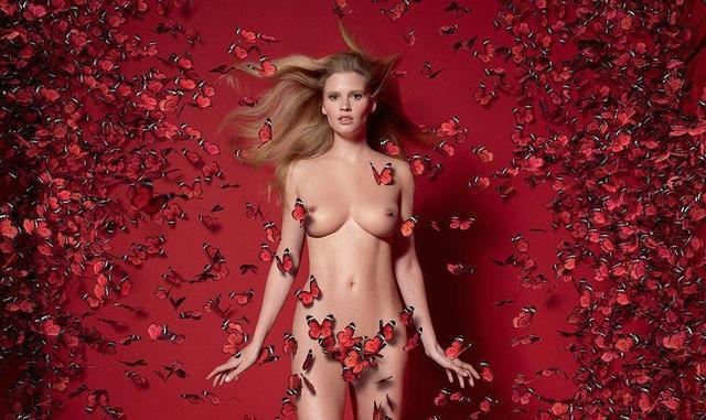 celebritie Anja Rubik 25 years salacious photos beach