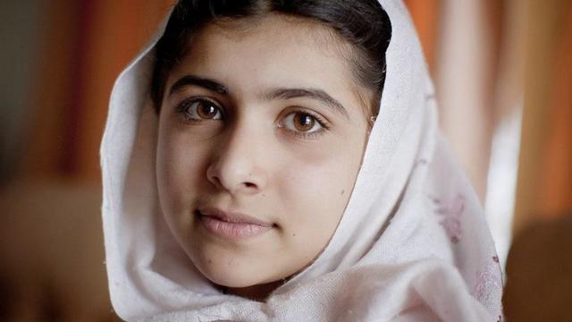 celebritie Malala Yousafzai 25 years denuded photography home