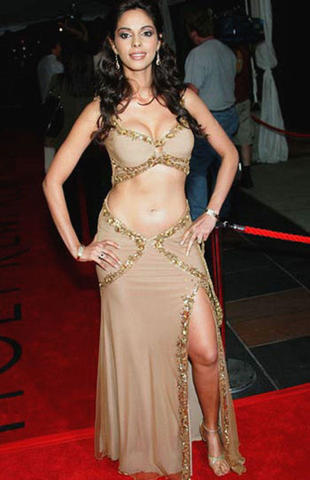 actress Mallika Sherawat 25 years undress pics home