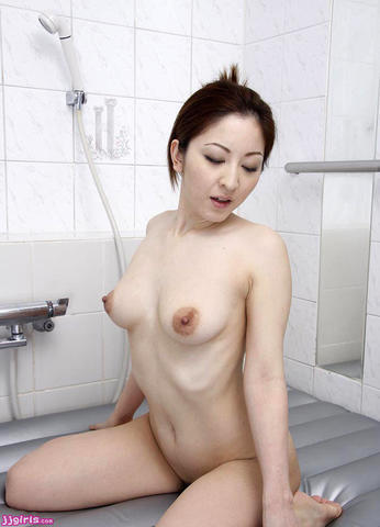 Mao Inoue nude picture