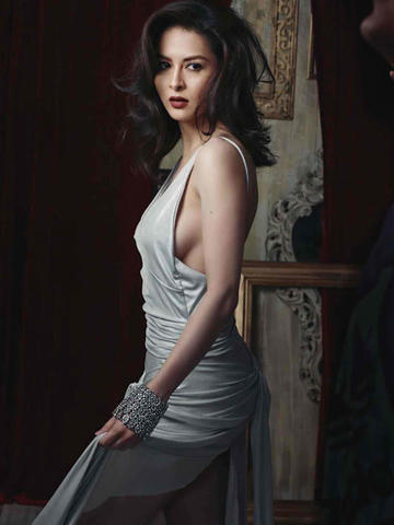 actress Marian Rivera 18 years teat photoshoot in the club