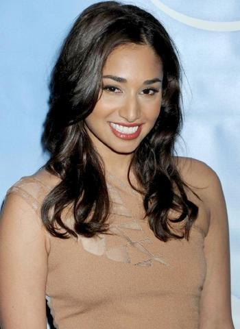 celebritie Meaghan Rath 25 years stripped foto in the club