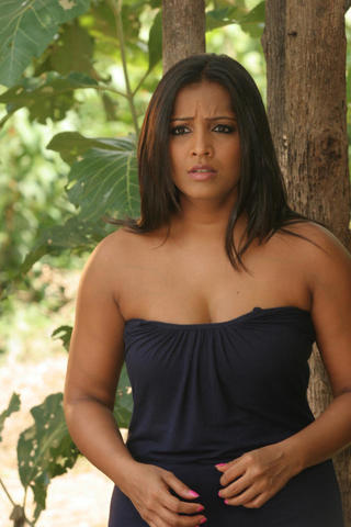 models Meghna Naidu 23 years hot foto beach