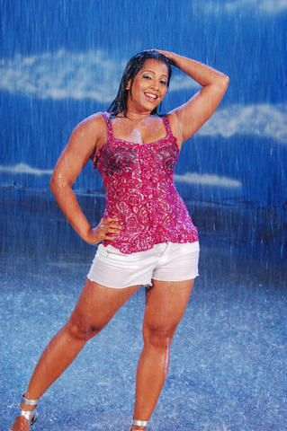 models Meghna Naidu 25 years crude snapshot in the club