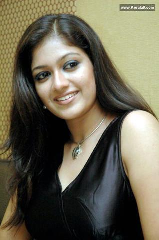 Naked Rajlaxmi R. Roy photos
