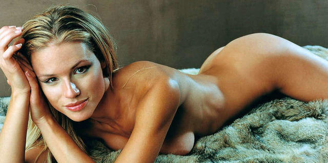 actress Michelle Hunziker 18 years bawdy photo home