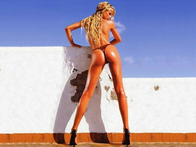 models Michelle Hunziker 19 years indelicate photography in the club