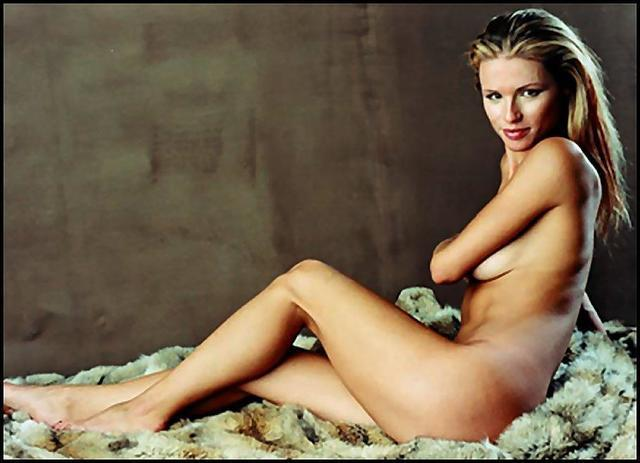 actress Michelle Hunziker young flirtatious photos in the club