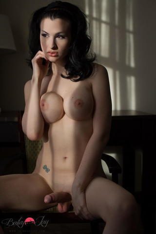 models Bailey Jay 19 years Sexy image in public