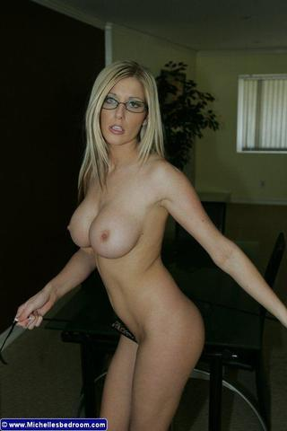 michelle barrett completely naked