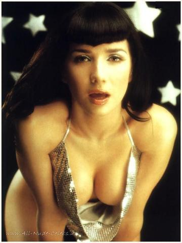 models Natalia Oreiro 25 years crude photo home