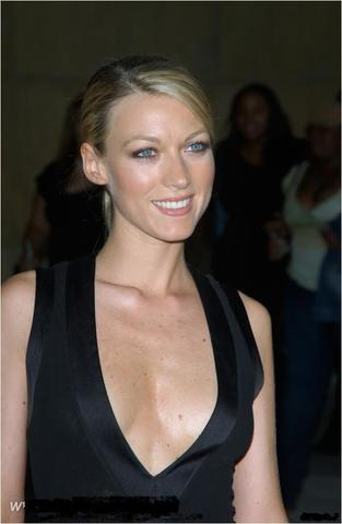 celebritie Liza Huber 18 years bare image in the club