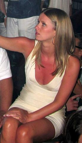 models Nicky Hilton 19 years naturism image in public