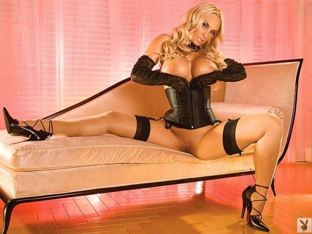 models Coco Austin 25 years Without brassiere image home