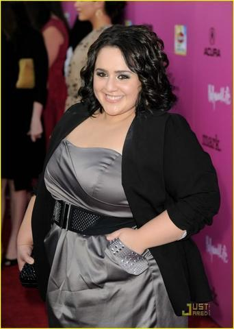 actress Nikki Blonsky 20 years unclothed pics in the club
