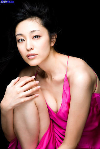 actress Noriko Aoyama 24 years k naked photography in public