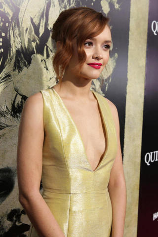 Hot photo Olivia Cooke tits
