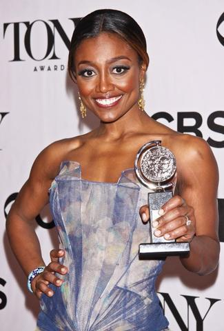 celebritie Patina Miller 21 years amatory photography in the club