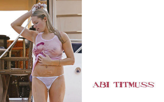 celebritie Abi Titmuss 20 years Without slip foto in public